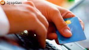 Cartão de crédito tem altas taxas de juros e contribui para o endividamento