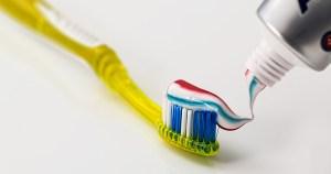 Evento on-line aborda importância e cuidados com o flúor na saúde bucal