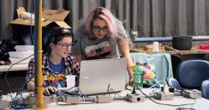 Maratona de programação tem foco em mulheres, transgêneros e não binários