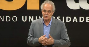 Cientista da USP é 1º brasileiro a receber prêmio de diplomacia científica