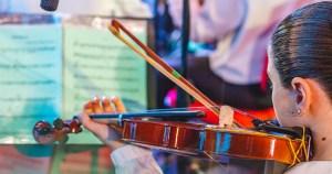 """Projeto da USP garante """"educação libertadora"""" através da música"""