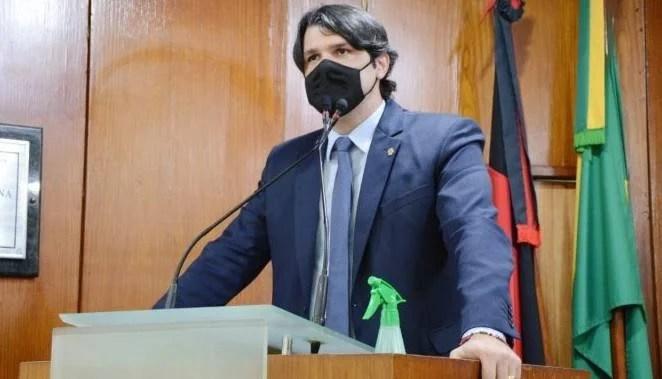 Vice-prefeito Léo Bezerra inicia articulação para que a Câmara de João  Pessoa não possua vereadores de oposição – Jornal A Página