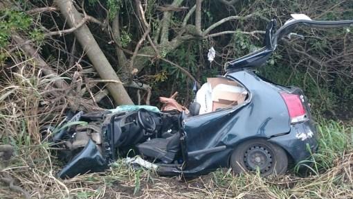 Acidente em Imbituba, na sexta-feira, deixou dois mortos, na BR-101.Foto: Divulgação / Polícia Rodoviária Federal