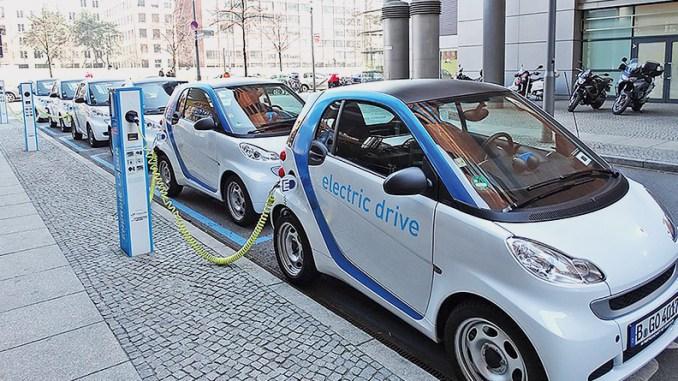 Economia-combustível-veículos híbridos-motores-combustão-motor elétrico-potência máxima disponível-consomem-seminovos