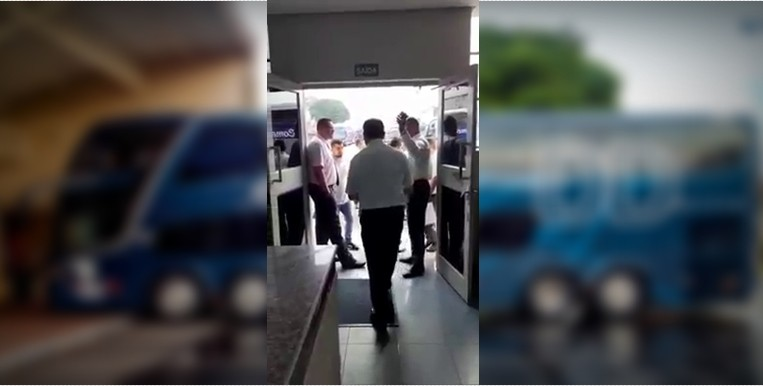50 Funcionários são demitidos de uma só fez em empresa de ônibus