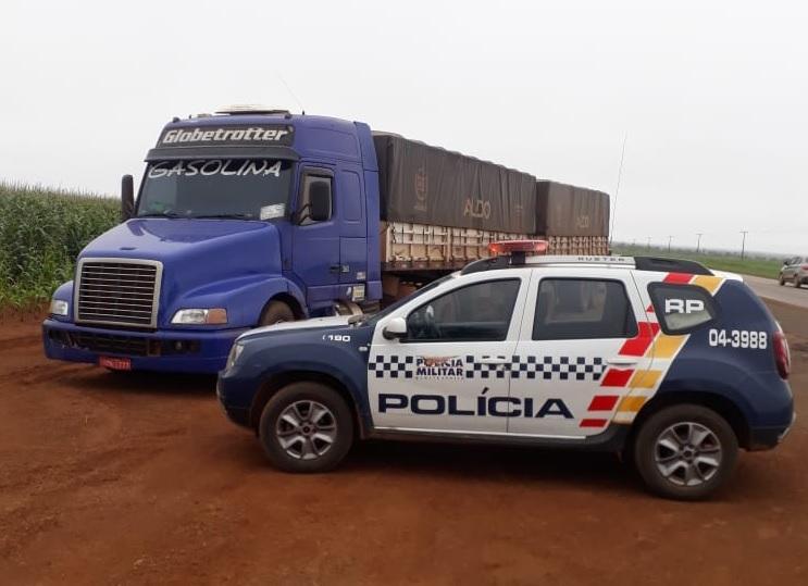 Volvo NH e Bi-trem roubados na sexta são recuperados pela PM na BR-364
