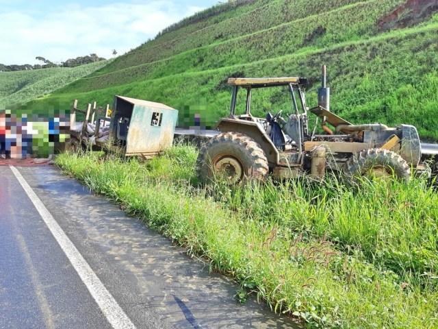 Susto: caminhoneiro se depara com trator em curva na BR-101