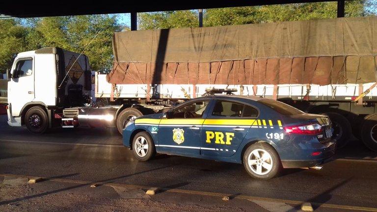 Caminhão roubado há 18 anos é recuperado pela PRF em Tocantins
