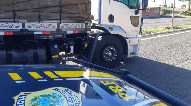 Caminhão é flagrado com Arla 32 adulterada na BR 116