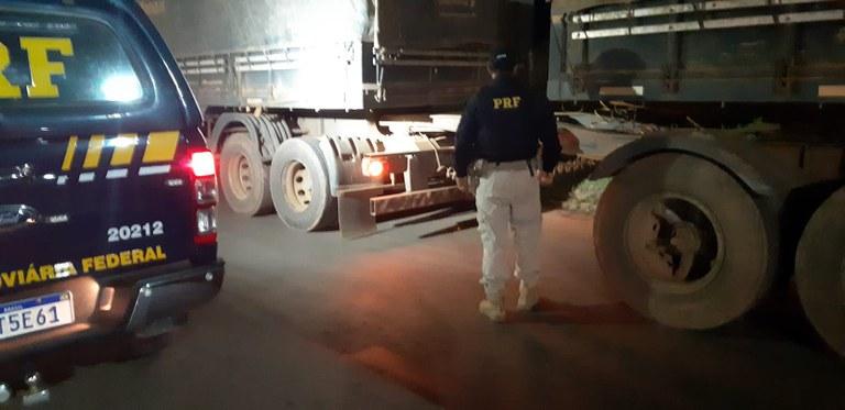 Carreta rodotrem roubada é apreendida com documentos falsos na BR-316, MA