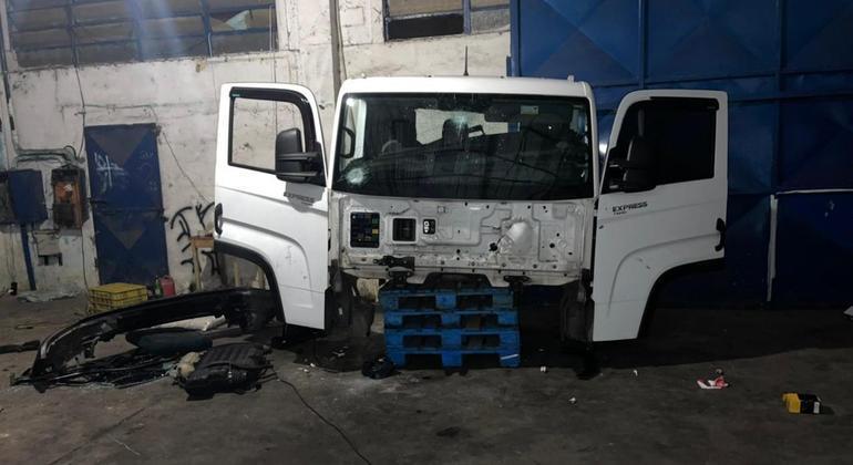 Polícia prende 6 criminosos em desmanche ilegal de caminhões em SP