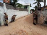 Veja a entrada da Polícia Militar para operação na comunidade do Siri