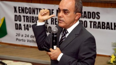 Photo of Ministro Cláudio Brandão apresenta conferência em universidade de Salvador