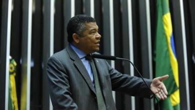 """Photo of Valmir critica campanha racista na Câmara Federal: """"Eu não sou macaco"""""""