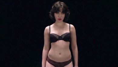 Photo of Pela primeira vez, Scarlett Johansson aparece nua nas telas; confira trailer