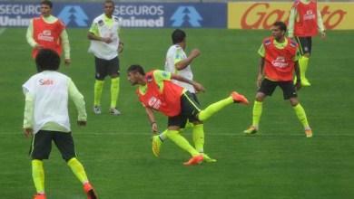 Photo of Sob chuva fina, seleção brasileira faz primeiro treino na Granja Comary