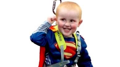 Photo of Vídeo: Menino com câncer terminal realiza sonho de voar como Super-Homem
