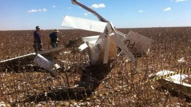Photo of Avião experimental cai no oeste e deixa dois feridos; fotógrafo Rui Rezende estava na aeronave