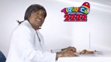 Photo of Tiririca se fantasia de Roberto Carlos e solta a voz em campanha política