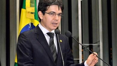 Photo of Senador nega saída do PSOL apontada por Luciana Genro