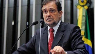 Photo of Senador Walter Pinheiro se aproxima de legenda ligada à Igreja Universal