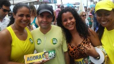 Photo of ACM Neto, Souto e Aleluia fazem corpo a corpo para Aécio