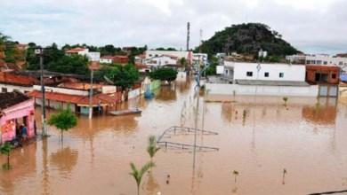 Photo of Número de desabrigados por chuva em Bom Jesus da Lapa passa de 700