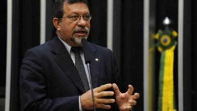 Photo of Apontado em investigação de desvio de verba, Afonso Florence pode ser líder do PT em 2015