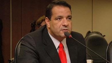 Photo of Alan Sanches sai em defesa da Sesab no Plenário da Assembleia