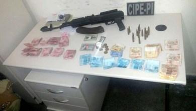 Photo of Bahia: PM apreende fuzil e R$ 7 mil com suspeito de roubo a banco