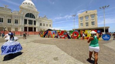 Photo of Turistas deixarão mais de R$ 64,8 milhões em Salvador durante o Carnaval
