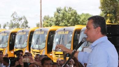 Photo of Governador entrega ônibus escolares e sementes para agricultores em Feira de Santana