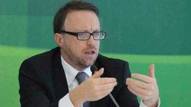 Photo of Ministro das Comunicações pode demissão após crítica à comunicação do governo