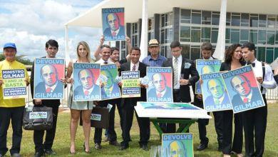 Photo of Manifestantes cobram voto vista de Gilmar Mendes ao financiamento de campanhas