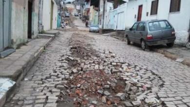 Photo of Chapada: Ruas de Jacobina ficam esburacadas após empresa parar serviços