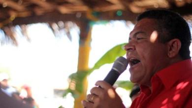 Photo of Golpe é para retirar direitos dos trabalhadores do Brasil, diz deputado federal