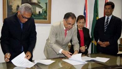 Photo of TRE-BA e TJBA assinam aditivo à acordo de cooperação institucional