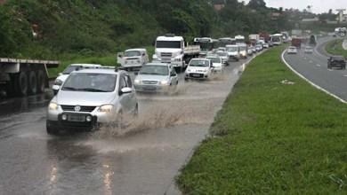 Photo of Salvador: ViaBahia informa que chuvas complicam fluxo de veículos na BR 324