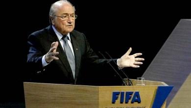 Photo of Joseph Blatter renuncia à presidência da Fifa após 17 anos no poder e convoca novas eleições