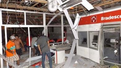 Photo of Bahia: Grupo invade cidade, atira contra sede da PM e explode banco em Cansanção