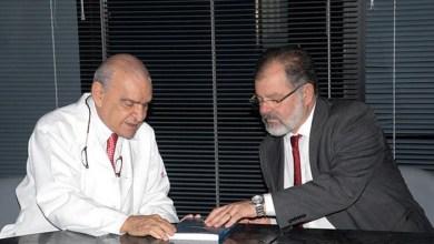 Photo of Nilo visita cientista que considera planejamento familiar a solução para o Brasil