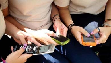 Photo of Uso de internet pelo celular cresce entre estudantes e professores, diz pesquisa