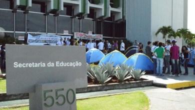 Photo of Professores das universidades da Bahia ocupam secretaria em Salvador