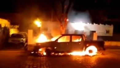 Photo of Chapada: Médico de Ituaçu é atropelado por bioquímico e carro é incendiado em delegacia