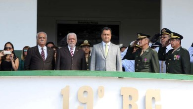 Photo of Governador é homenageado em solenidade de comemoração ao Dia do Soldado