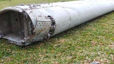 Photo of Mundo: Destroço encontrado em ilha pertence ao avião da Malaysia Airlines