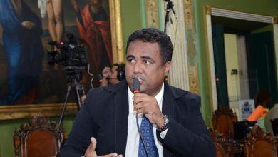 Photo of Salvador: Vereador celebra dia do radialista e pede regulamentação de rádios comunitárias