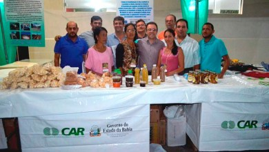 Photo of Bahia: Agricultores de Macaúbas são beneficiados com entrega de barracas e veículos