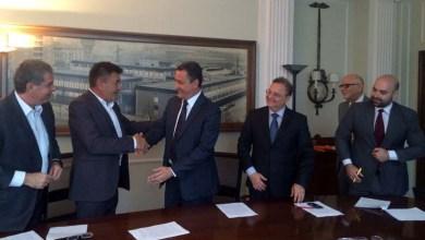 Photo of Na Itália, Rui Costa assina acordo para Bahia produzir medicamento para anemia falciforme