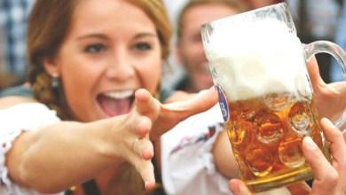 Photo of Pesquisa aponta que mulheres que tomam cerveja têm menos chances de infartar